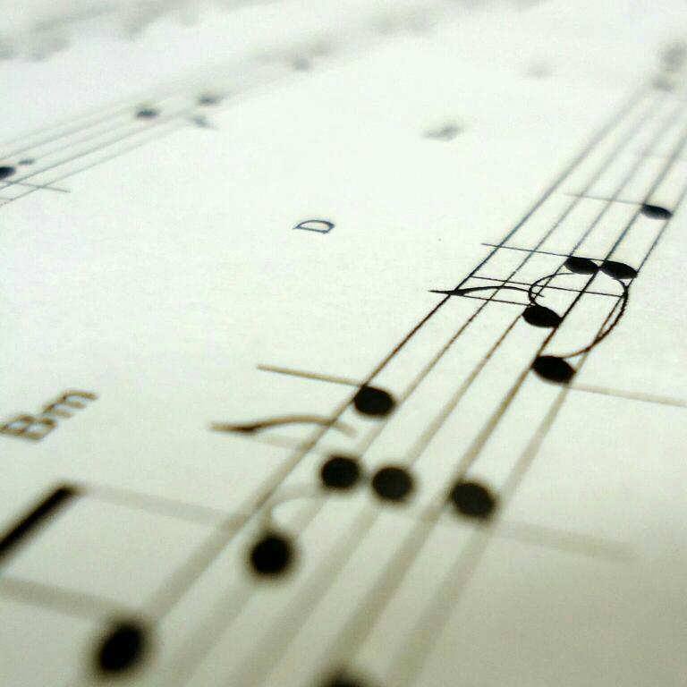 安静的钢琴谱—跳动的音符